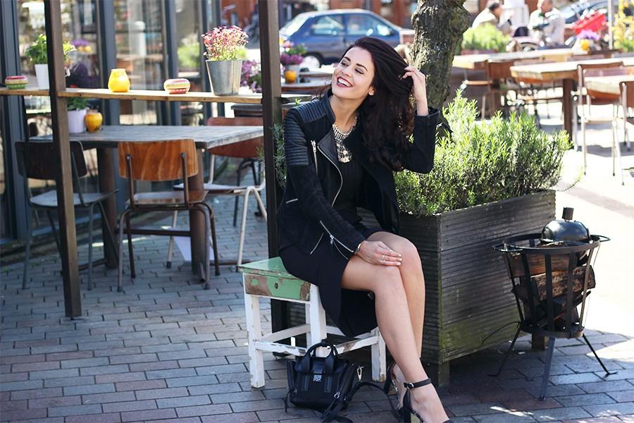 2-black-skirt