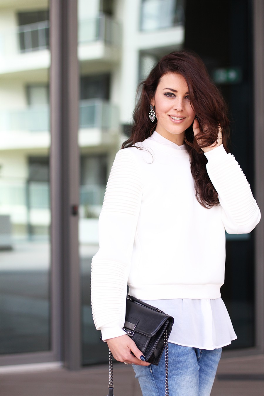 white-missguided-sweater