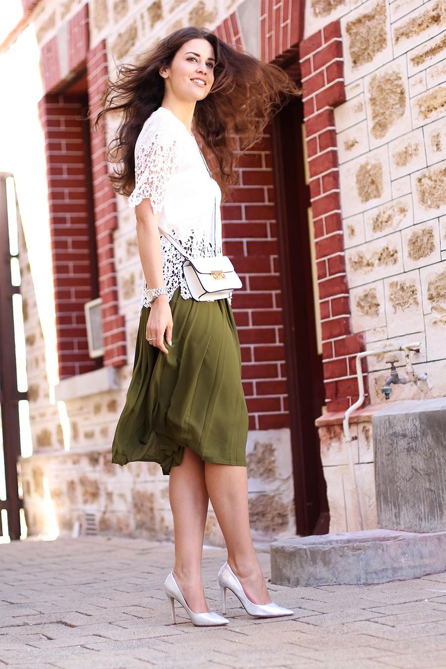 khaki-pleated-skirt