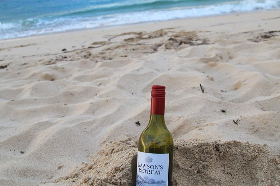 wine-on-the-beach
