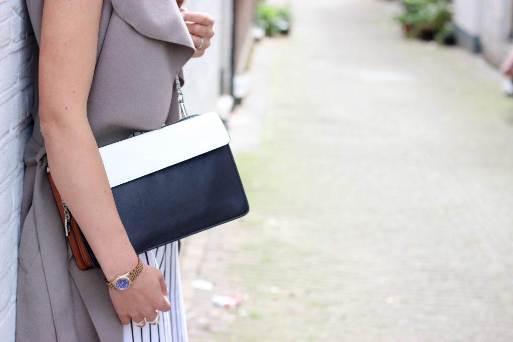 black-bag-chain (1 of 1)