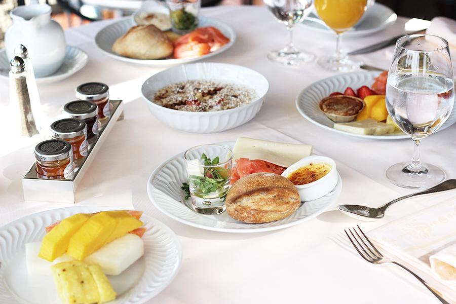 breakfast-buffet