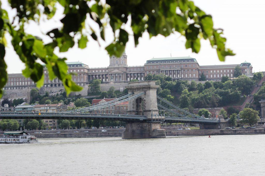 chain-bridge-budapest-1 (1 of 1)