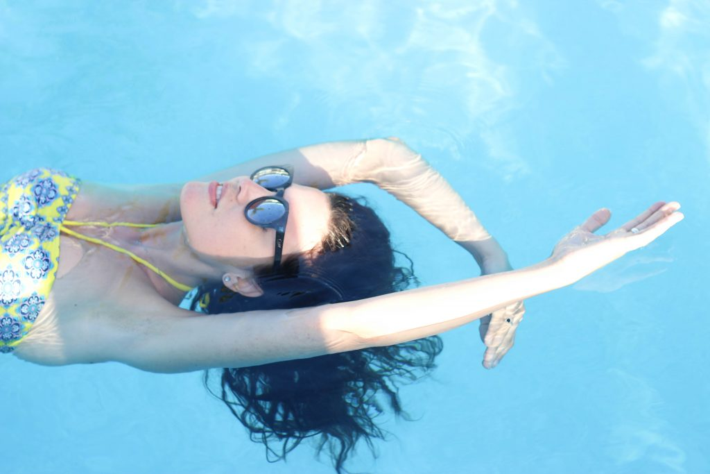 keywest-Gates-bikini-pool-4