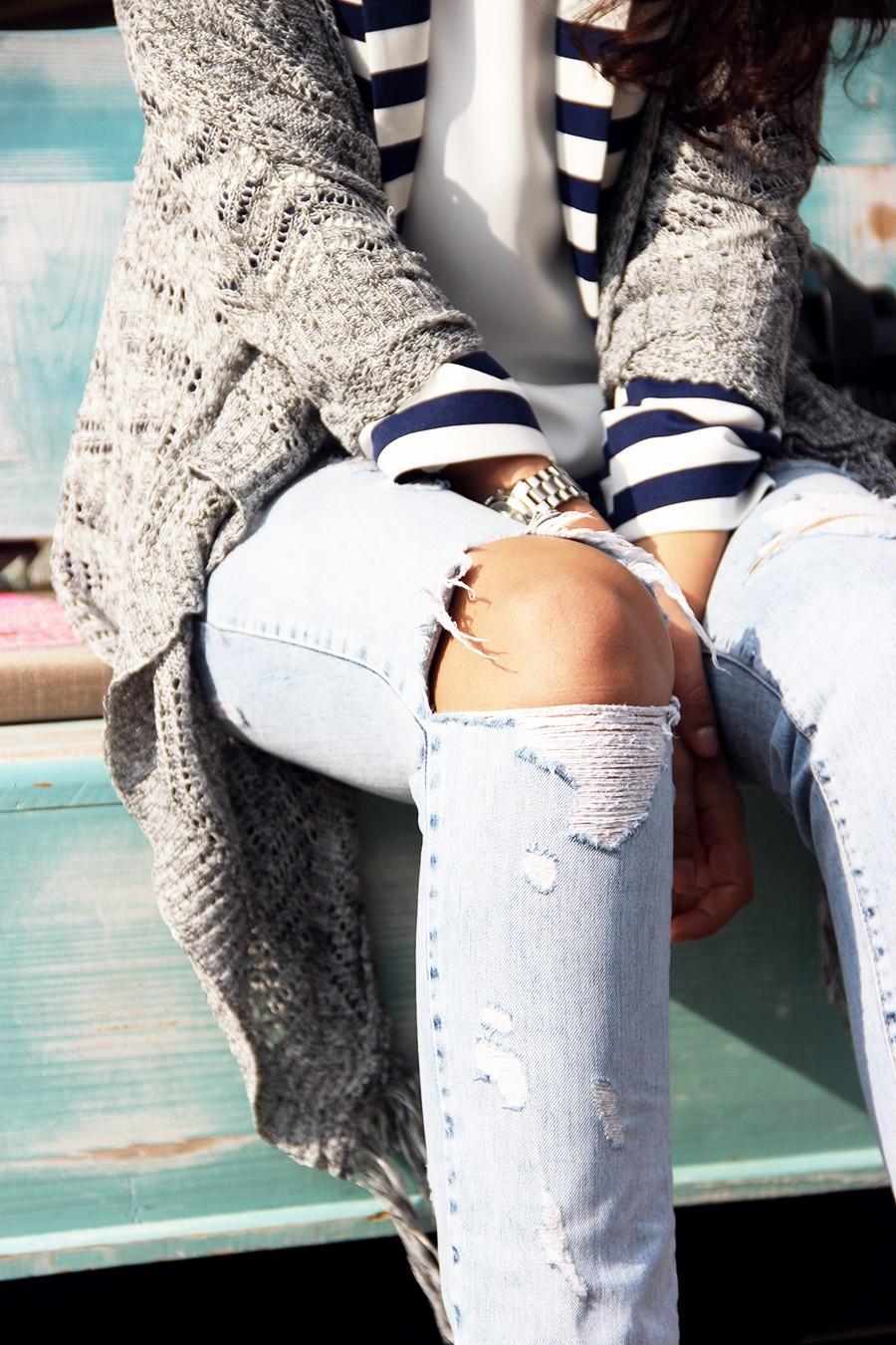 ripped-jeans-wear