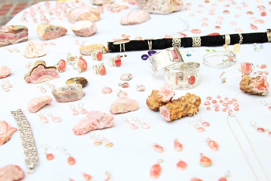 silver-jewelry-stone
