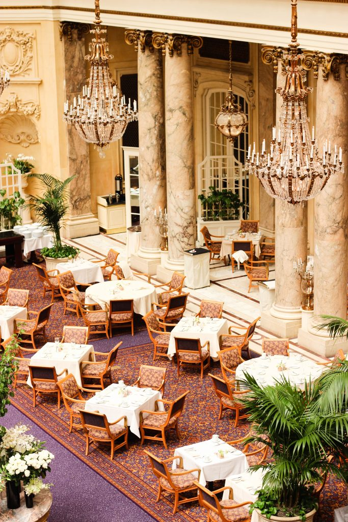 thepalace-restaurant-tables