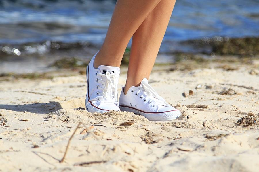 white-converse-chucks-outfit